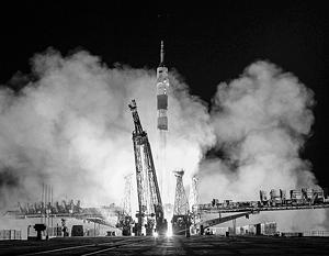 """Общество: """"Союз"""" впервые ускоренно доставил космонавтов на МКС"""
