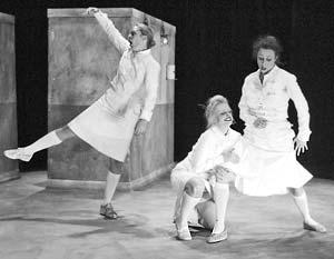 Показ спектакля Ио Стромгрена «Госпиталь» прошел в Театре Наций в рамках фестиваля NET