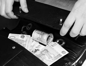"""Предъявлено обвинение руководителям  """"Банка расчетов и сбережений """" в незаконном обналичивании более 1,6 млрд рублей."""