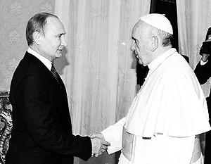 Встреча Владимира Путина и папы Франциска прошла в зале библиотеки Ватикана