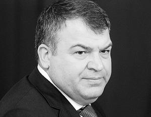 В отношении Сердюкова возбуждено дело о халатности