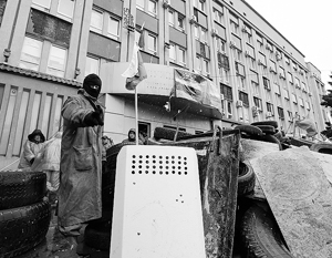 Митингующие в Донецке не намерены выполнять требования главы МВД Арсена Авакова, который предъявил им ультиматум