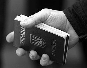Источник: Поляки и прибалты получают украинские паспорта для борьбы с ополченцами