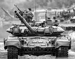 На фото – настоящий танк строевых частей российской армии. Ничего подобного на Украине не наблюдается