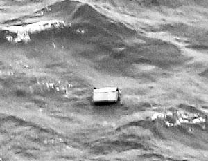 Спасатели нашли в воде сначала дверь, потом крыло пропавшего самолета, а потом и погибших пассажиров