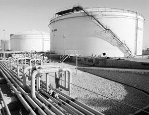 Нефть стоит уже меньше 46 долларов за баррель