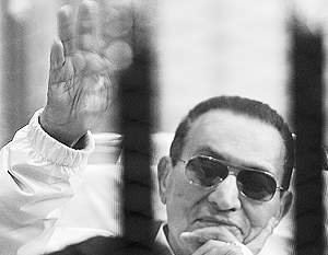 Было бы странно, если бы офицеры, которых назначал и повышал Мубарак, засудили своего главнокомандующего