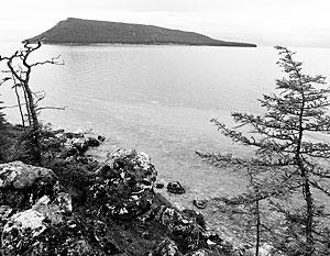 Впервые за 60 лет на озере Байкал уровень воды упал почти до критической отметки