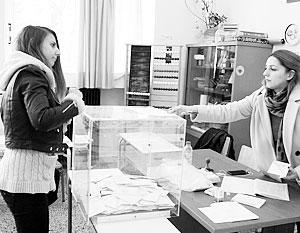 Греки проголосовали за избавление от «финансовой кабалы» Евросоюза, но не за выход из ЕС и зоны евро
