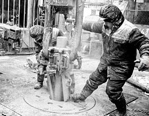 На ожиданиях сокращения добычи нефти цена на сырье пробивается к 60 долларам за баррель