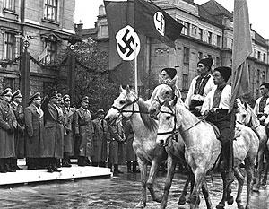 «Документы свидетельствуют о том, что националисты-бандеровцы самым варварским образом расправлялись с мирным населением по заданию немцев», – рассказывает историк Ирина Великанова