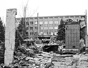 В окруженном Дебальцево продолжаются бои. Мирное население пока эвакуировать не удалось