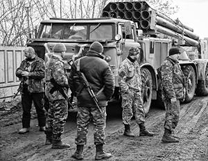 Отвод тяжелой техники от линии соприкосновения ополчения и украинских военных сопровождается эксцессами и взаимными обвинениями