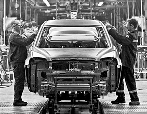 Производство малогабаритных автомобилей Opel Astra на заводе General Motors в производственной зоне «Шушары-2».