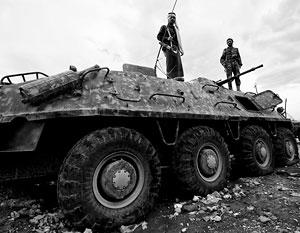 Мятежники-хуситы взяли большую часть Йемена под контроль, вынудили президента бежать, но столкнулись с военной мощью нефтяных монархий и их союзников
