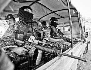 Хуситы охраняют президентский дворец в Сане. Саудовскую Аравию они воспринимают как захватчика и грозят перенести войну на ее территорию