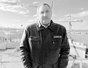 Рогозин уговорил бастовавших на Восточном рабочих продолжить строительство