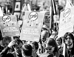 Европейские антиглобалисты и националисты едины в неприятии планов по созданию общего рынка с США
