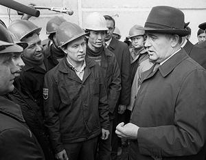 От Горбачева действительно ждали реформ – не подозревая, что для них у него просто нет воли и разума