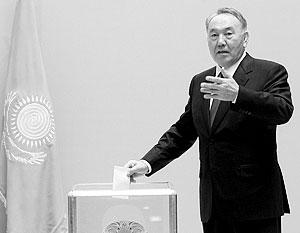 Назарбаев дает Казахстану стабильность и уверенность на фоне мирового кризиса