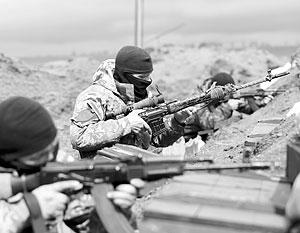 Украинским войскам крайне не хватает тяжелой боевой техники, но закидать окопы Новороссии трупами они вполне в состоянии