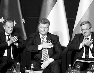Порошенко поблагодарил лидеров Запада за неприезд в Москву, но эту благодарность он смог передать только полякам Туску и Коморовскому