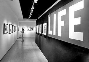 Популярный американский журнал Life прекращает свое существование в бумажном виде