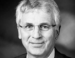 Вице-спикер Бундестага, отложивший свой визит в знак протеста, рассчитывал встретиться с представителями российской оппозиции