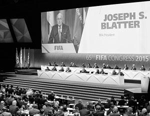 Йозеф Блаттер сохранил за собой пост президента ФИФА