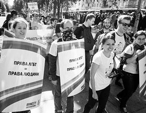 Порошенко одобряет гей-парад на радость США и Европе