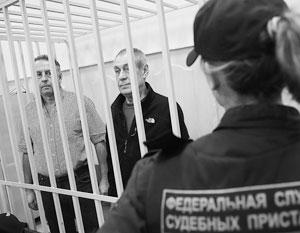 Халатность работников метро привела к гибели 24 человек. На фото двое из обвиняемых: Анатолий Круглов (слева) и Валерий Башкатов