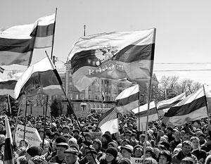 Украина остается расколотой страной: на западе сильнее тянутся к Евросоюзу, на юге и востоке – к Москве
