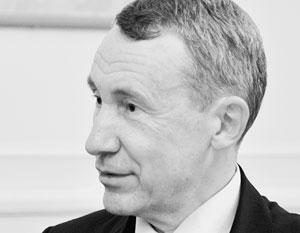 Вместе с другими сенаторами Андрей Климов намерен обратить внимание правоохранителей на подрывную деятельность некоторых западных фондов