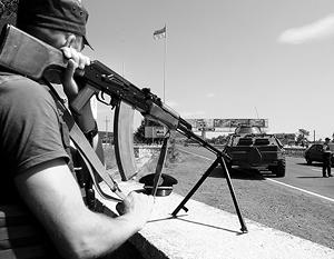 Силовики пока не в состоянии приструнить ПС (на снимке – блокпост в Мукачево, установленный после того, как радикалы спокойно ушли)