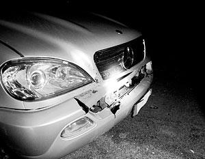 Российский военнослужащий протаранил на своем Mercedes три автомобиля