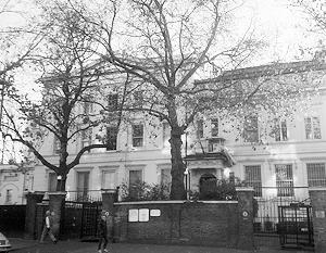 Великобритания намеренно препятствует функционированию посольства России