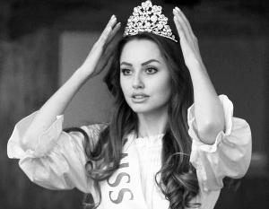 Прошлогодняя Мисс Украина Адриана Хасаншин, как ей припомнили организаторы нового конкурса, «имеет не совсем славянские корни»