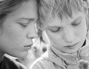 Наталья Водянова вынуждена была оправдываться за то, что не увезла сестру-инвалида из России