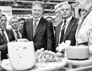 Россия сможет отказаться от импортного молока лишь через 12–15 лет