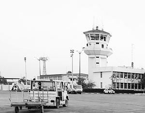 Столь скромно выглядящий аэропорт Латакии внезапно становится крупной военно-воздушной базой