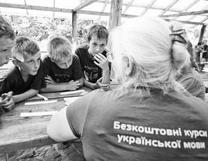 Переделывание русских в украинцев в Донбассе решено начинать прямо с детского сада
