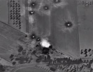 Су-34 наносят удар по позициям боевиков