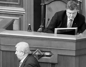 Возглавляемая любимым кумом Шокиным (снизу) ГПУ – важнейший политический и экономический актив Порошенко