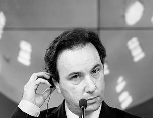 Халед Ходжа, нынешний лидер «умеренно оппозиционной» коалиции НКСРОС, также включен в список, переданный МИД России