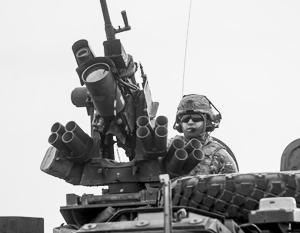 В соседних с Россией странах НАТО культивирует «прифронтовую психологию», считает Александр Грушко