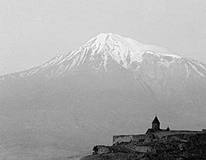 Расположенный в Турции Арарат – до сих пор один из национальных символов Армении