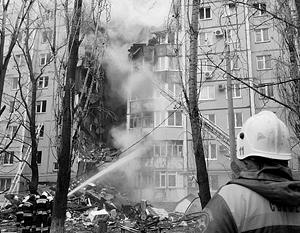 Спасатели продолжают работы на месте взрыва газа в жилом доме в Волгограде