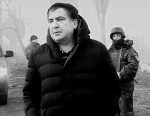 «На видео от Саакашвили есть все: привязка к местности, секретный пост наблюдения, даже оперативная карта», – возмущаются украинские СМИ