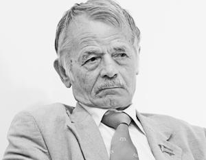Джемилев специализируется на антироссийских акциях, за что щедро одаривается западными грантами, полагают власти Крыма
