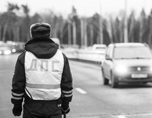 В обстоятельствах наезда таксиста на дорожного инспектора будет разбираться следствие